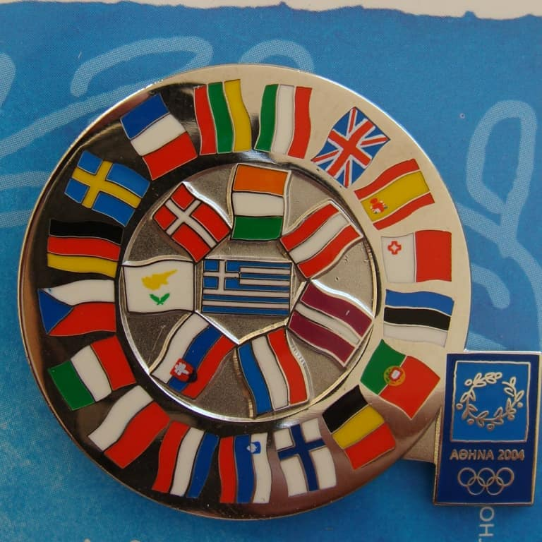 FLAGS PINS
